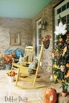 Colorful fall porch decorating ideas and a welcome fall tree