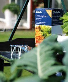 Weibulls Grönsaksgödsel för odlingarna i växthuset.