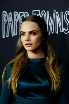 Cara does Game Of Thrones chic at the premiere for Paper Towns, the new film in which she stars <3
