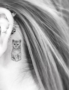 Dr. Woo Tattoo Artist | Half Needle Tattoo | Little Cat behind ear