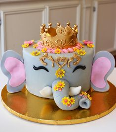 50 Most Beautiful looking Dumbo Cake Design that you can make or get it made on the coming birthday. Elephant Birthday Cakes, Animal Birthday Cakes, Unique Birthday Cakes, Elephant Cakes, Birthday Cake Girls, Birthday Design, Dog Cakes, Baby Cakes, Girl Cakes