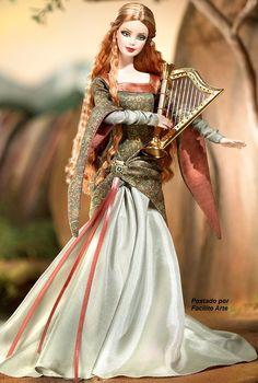 Na antiga Irlanda, uma bela de cabelos loiros avermelhados, mantém as lendas de seus ancestrais.  Ela é uma poetisa com um amplo repertóri...