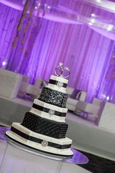 Black and White Wedding Cake. Just change the black to red.