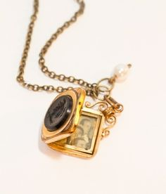 Smykke: - Fra mormors skattekiste: Vintage medaljong Jewlery, Pendant Necklace, Vintage, Jewerly, Schmuck, Jewelry, Jewels, Jewelery, Vintage Comics