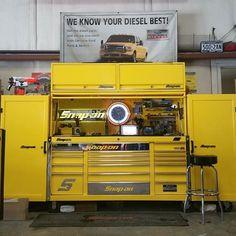 Workshop Layout, Garage Workshop, Tools And Equipment, Tool Box Storage, Garage Tools, Car Garage, Welding Cart, Tool Cart, Mechanic Tools