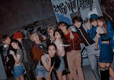 Bts Blackpink, Bts Girl, Lisa Blackpink Wallpaper, Blackpink And Bts, Taehyung, Idol, Couples, Jenni, Boyfriends