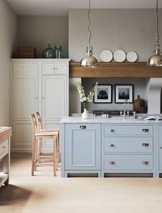 Meet Chichester: a classic kitchen design, made with proper joinery, natural materials and a painted finish in your choice of over 28 colours. Kitchen Lighting Design, Kitchen Lighting Fixtures, Light Fixtures, Kitchen Living, New Kitchen, Kitchen Ideas, Kitchen Planning, Cozy Kitchen, Kitchen Reno
