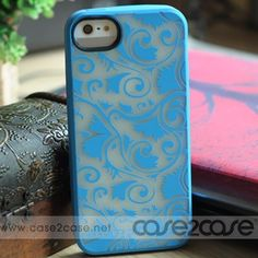 MARC JACOBS iPhone 5 Case featuring our all over Tootsie Flower print.100% Silicone. This MARC JACOBS Tootsie Flower iPhone 5 Case will shining at night, very lovely! Great gift for friends or relatives!