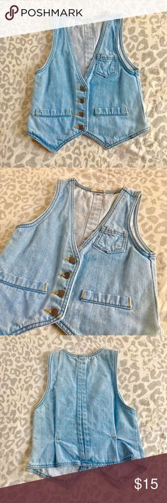 BeBop Button Down Jean Vest Designer: BeBop Size: Small Details: -BeBop Button Down Jean Vest -Tarnished silver buttons -Slightly loose fit -100% Cotton -Bust 33/34 in. -Worn once  NO TRADES  👯 Bundle two tops for a 15% discount!  💞Questions? I would love to help! BeBop Jackets & Coats Vests