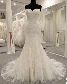 Pronovias Bertina, $1,500 Size: 4 | Used Wedding Dresses