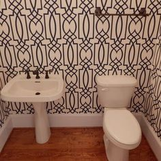 Wallpaper design in the hall bath