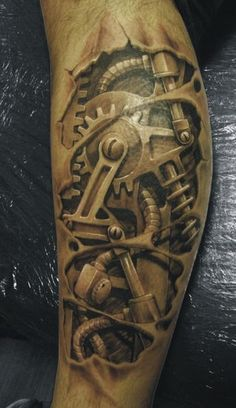 I'm diggin this steam punk tattoo. It's crazy realistic.