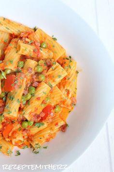Rezepte mit Herz ♥: Pasta mit Speck - Ajvar - Sahnesauce ♡