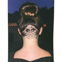 #undercut #haircut #snowflake If I still have this look next Christmas, I'm so doing this