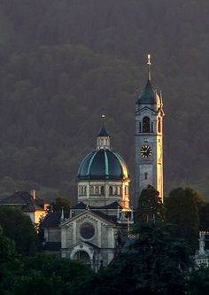 Enge Church in Zurich, Switzerland Kirchen, Austria, Clocks, Countries, House Plans, New Homes, Bucket, Gallery, Building