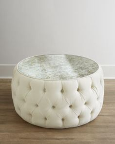 Modern White Leather Coffee Table Idea #leathercoffeetables Living Room  Design #coffeetabledesign Leather Design #