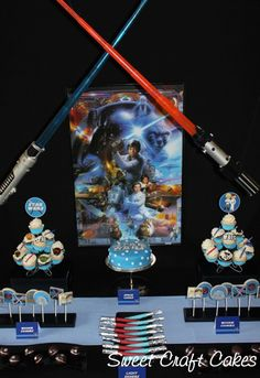 Star Wars party. So many wonderful ideas here, from food to activities and take-home packs. #Star_Wars