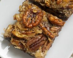 Want to look like a killer host or hostess? Make your guests any of these after dinner sweets  Chocolate Pecan Pie Bars
