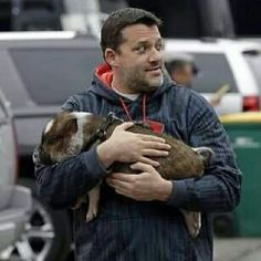 Tony Stewart with his pet pig Porkchop.