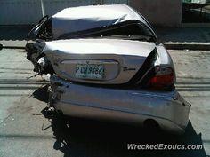Jaguar XK crashed in Tegucigalpa, Honduras
