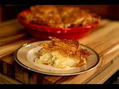 Greek Custard Pie: Galaktoboureko Healthy Thanksgiving Recipes, Thanksgiving Desserts, Greek Desserts, Just Desserts, Turkish Recipes, Greek Recipes, Greek Meze, American Desserts, Greek Cooking