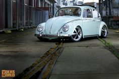 kafer | BR-look: Wallpaper: white Beetle from the May 2011 issue of VW World ...