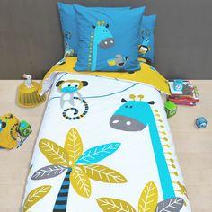 housse de couette enfant aux motifs d 39 animaux de la jungle girafe oiseaux et singes dans les. Black Bedroom Furniture Sets. Home Design Ideas