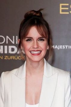 Emma Watson at the premiere of 'Colonia Dignidad' in Berlin, Germany (February 5, 2016)
