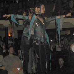 ⭐️ FLASH BACK FRIDAY #inmymelos ⭐️ 2003. Melodia dressed up Mardi Love and Heather Stants and put them on stage.