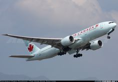 Air Canada C-FIUJ Boeing 777-233/LR aircraft picture