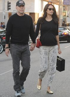 Doting husband: Bruce Willis, was seen with his wife Emma Heming in Beverly Hills on Saturday Cool Outfits, Guy Outfits, Fashion Outfits, Fashion Trends, 50 Year Old Man Fashion, Celebrity Outfits, Celebrity Style, Hollywood Fashion, Hollywood Style