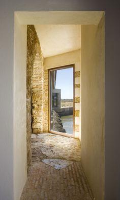 """Proyecti de rehabilitación del molino Mareal de """"El Pintado"""" / Manuel Fonseca Gallego #arquitectura #museo #restauración #piedra"""