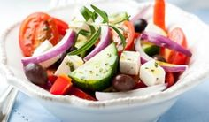 A traditional Greek salad recipe calls for nothing more than fresh vegetables, feta cheese, and a little olive oil. It's a simple and delicious salad! Fudge, Traditional Greek Salad, Greek Salad Recipes, Greek Dishes, Middle Eastern Recipes, Mediterranean Recipes, Healthy Eating, Stuffed Peppers, Healthy Recipes