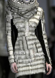 AVANT GARDE HAUTE COUTURE   Gareth Pugh / Avant-Garde Haute Couture Autumn/Winter 2008/09