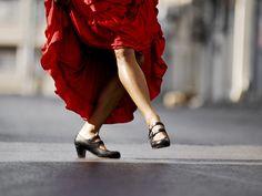 La cetrería, el flamenco, el lenguaje silbado de la isla de la Gomera...