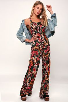 37886a573a09e6 The Billabong Still Here Black Floral Print Overalls are always in style!  Breezy