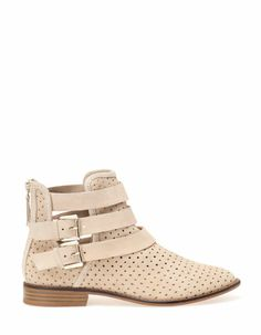 Flat die-cut hide ankle boots