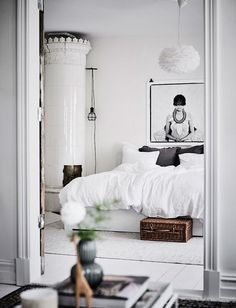 White Bedroom Furniture Ideas For A Modern Bedroom Modern Bedroom, Bedroom Decor, Romantic Bedrooms, White Bedrooms, Bedroom Ideas, Bedroom Simple, Budget Bedroom, Bedroom Designs, Bedroom Wall
