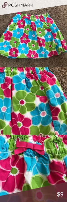 Adorable flowered cotton skirt You will love this super cute skirt. It's 100% cotton, bright lively colors, elastic waistband, and pockets. Yes, pockets! So cute. Clean household. Non-smoking. Great condition. Gymboree Bottoms Skirts
