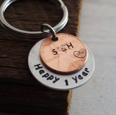Personalized keychain custom keychain 1 year anniversary gift for boyfriend gift hand stamped keychain penny keychain boyfriend gift Birthday Present For Boyfriend, Gifts For Your Boyfriend, Gifts For Him, Gift Boyfriend, 1 Year Anniversary Gifts, Boyfriend Anniversary Gifts, Wedding Anniversary, Hand Gestempelt, Romantic Gifts