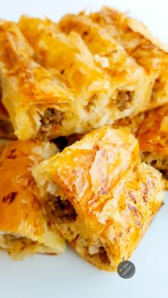 Sarıyer pastries - World Cuisine Pastry Recipes, Meat Recipes, Sweet Pastries, Turkish Recipes, Healthy Eating Tips, Food Hacks, Food To Make, Breakfast Recipes, Food And Drink