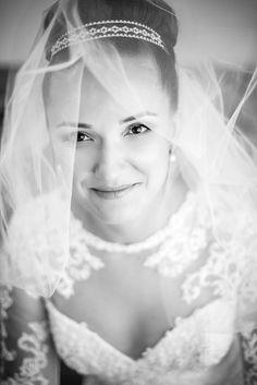 Nunta in Bucuresti cu Dana Mireasa si Gabi Mire. Sesiune Portret Fotografii Profesionale