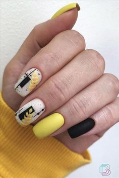 Love Nails, Pretty Nails, Square Nail Designs, Nail Art Designs Videos, Striped Nails, Minimalist Nails, Yellow Nails, Nail Art Hacks, Fabulous Nails
