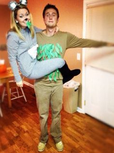 (halloween college couple)
