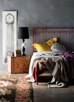 33 Awesome Industrial Bedroom Designs: 33 Awesome Industrial Bedroom Designs With Black Rug And Wooden Nightstand Design