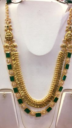 Kasu necklace with emerald haar combination 22 cart gold jewellery Real Gold Jewelry, Emerald Jewelry, Gold Jewellery Design, Quartz Jewelry, Diamond Jewellery, Saree Jewellery, Temple Jewellery, Silver Jewellery, Silver Ring