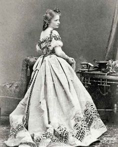 1860s Ball Gown.  Love the bottom pattern.