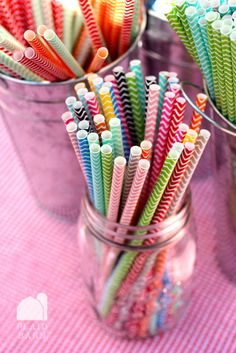 chevron paper straws. love!