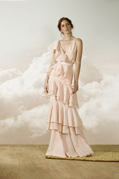 Andrés Otálora Resort 2019 - Discover the Collection Here! Elegant Dresses, Formal Dresses, Wedding Dresses, Max Azria, Fashion Shoot, Formal Wear, Dress Outfits, Evening Dresses, Summer Outfits