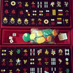 ryantokyostark: Dân tứ sắc như mìn học cũng còn thấy khó :'( Tới dc 1 ván cà ri và xém tới 1 ván lai hàng :))) #saigon #tet #mahjong